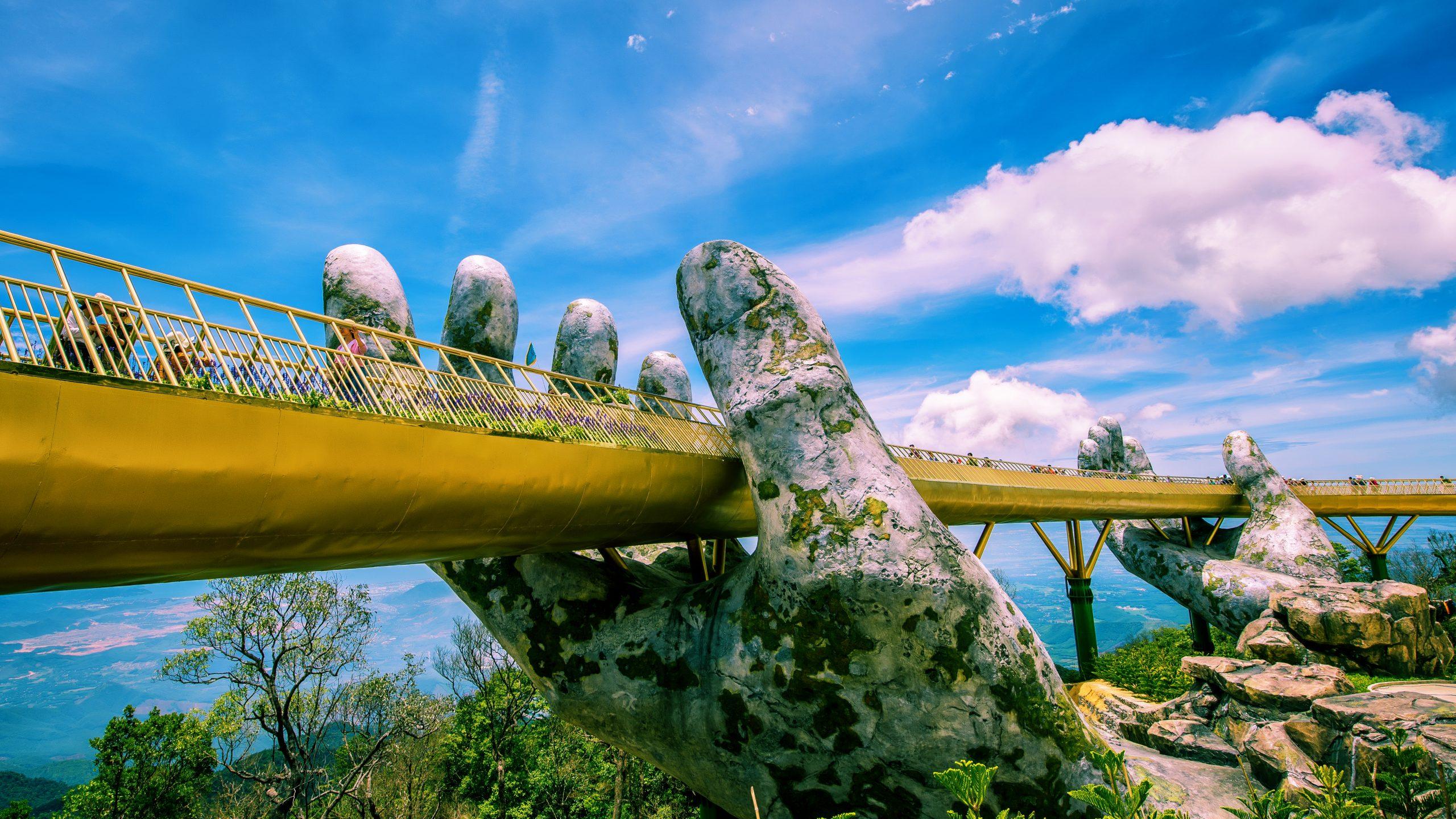 cây cầu vàng Bà Nà Hills