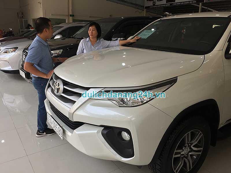 """Kinh nghiệm """"vàng"""" khi thuê xe ô tô giá rẻ tại Đà Nẵng"""